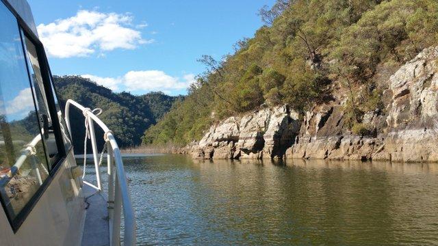BOAT TRIP ON LAKE BURRAGORANG